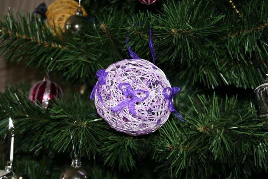 Новогодние шарики своими руками фото из ниток