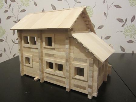 Этот деревянный конструктор